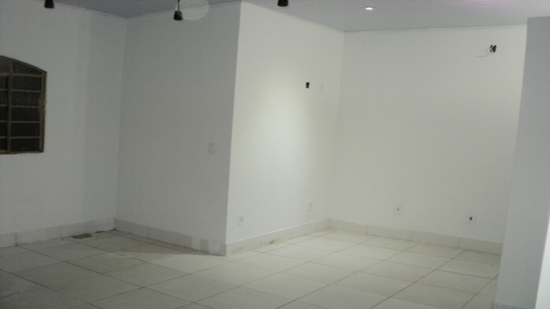 Sala comercial frontal complemento